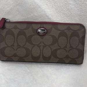 Coach Signature Wallet  S/B4